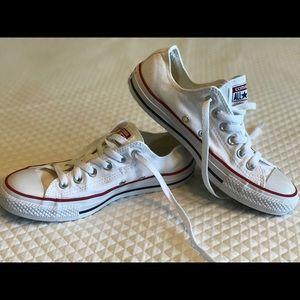 White ALL ⭐️ STAR Converse